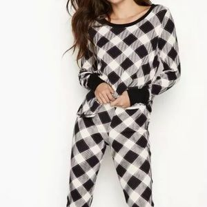 VIctoria secret buffalo plaid pajamas nwt